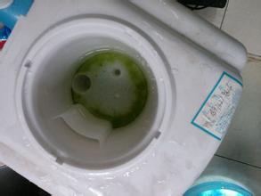16岁少年饮水机投毒