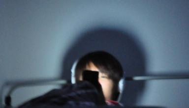 贪玩智能手机失明