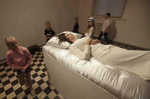乌克兰办睡美人展览